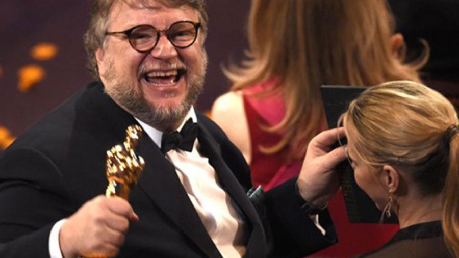 KOE México te cuenta la vida de Guillermo del Toro